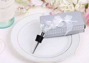 Elegant Crystal Heart Design Chrome Bottle Stopper