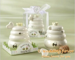 Ceramic Honey Pot favor with dipper