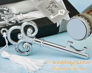 Key To My Heart crown design key bottle opener wedding favor