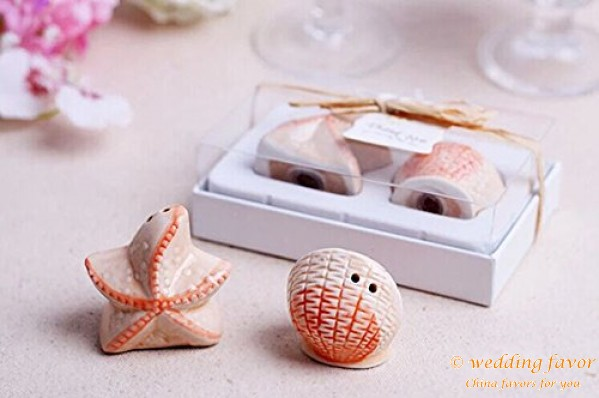 Marine shells and starfish Salt and Pepper ceramic wedding favors
