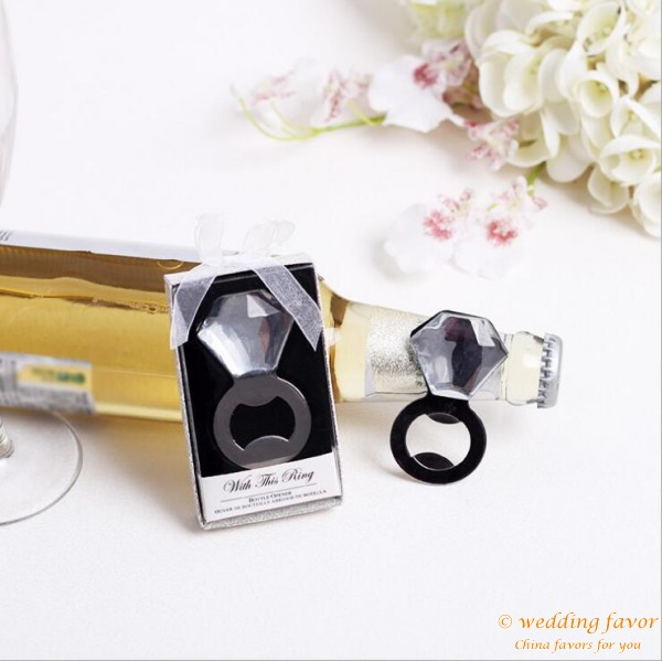 With this Ring wine bottle opener wedding favors